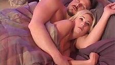 Hillary Scott too scared to sleep