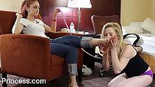 Slavegirl worshipping Goddess Eves Feet