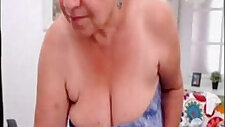 Amateur granny dancing nude on web cam