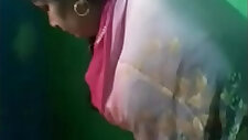 Indian aunty showing gand and twerking